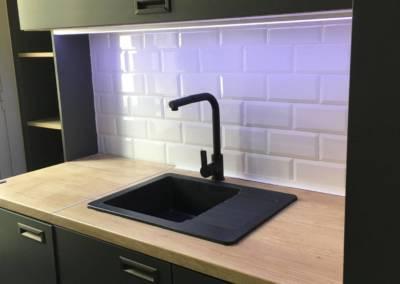 Rénovation Studio NICE Cuisine Après, par Sylvie Aldebert, Décoratrice UFDI à Antibes 06 - Ambiance blanc, noir et bois