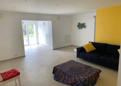 Aménagement d'un sous-sol de maison – Tanneron (Var), par Sylvie Aldebert, Décoratrice UFDI à Antibes 06 - Jaune Mimosa