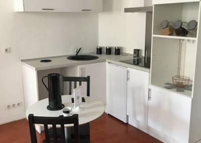 Home Staging Bien Vide La Colle sur Loup (06) Cuisine accessoirisée, par Maison Modèle, Home Stager & Décoratrice UFDI à Antibes 06