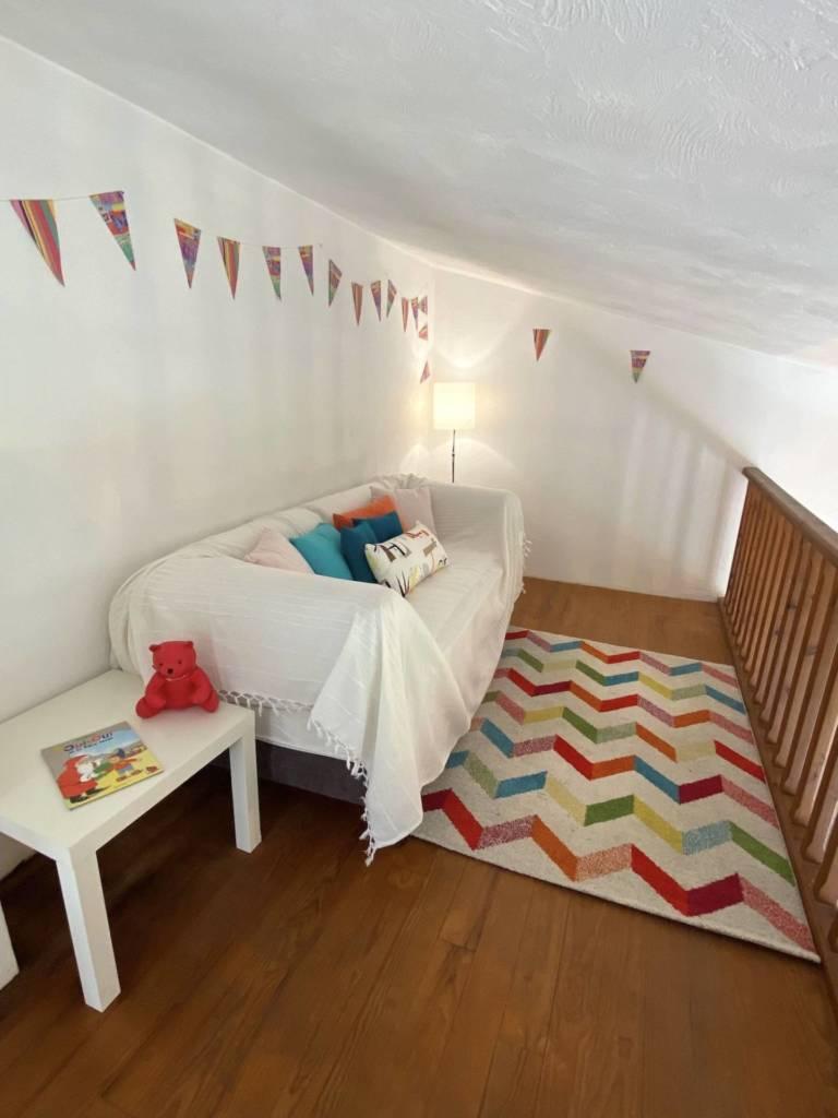 4 Prestation Home Staging - Mise en scène coin enfants Mezzanine sous rampant Vence, par Maison Modèle, Home Stager & Décoratrice UFDI à Antibes 06