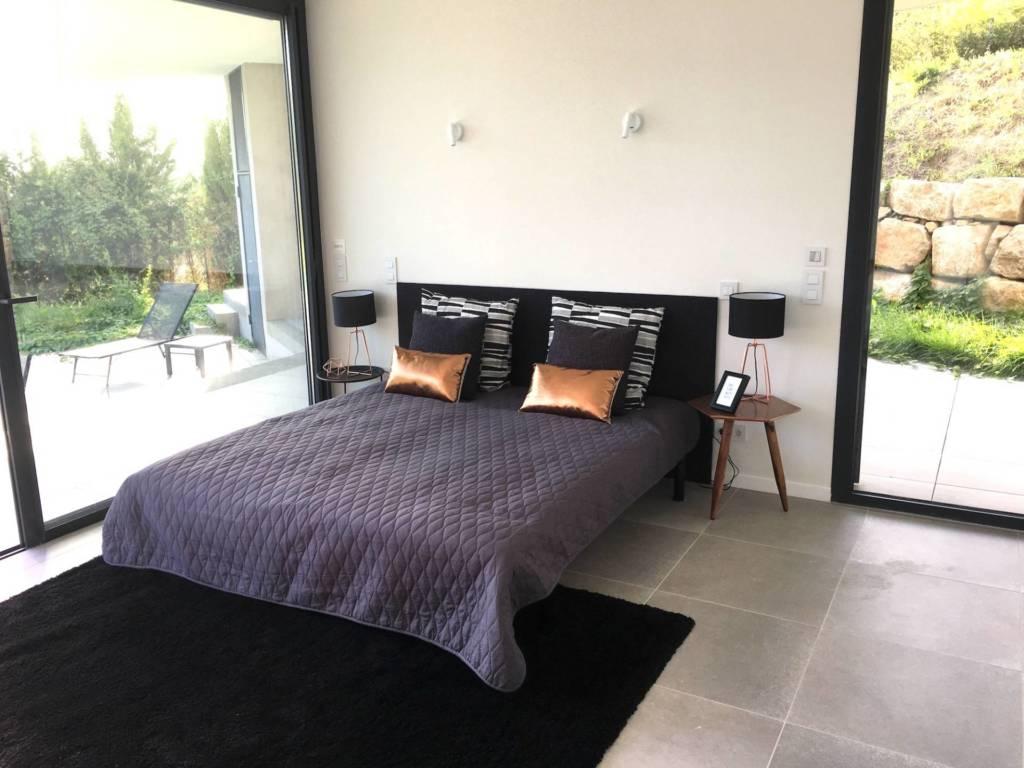 8 Prestation Home Staging - Chambre suite parentale style contemporain Nice par Maison Modèle, Home Stager & Décoratrice UFDI à Antibes 06